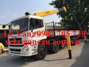 Xe tải cẩu Dongfeng 4 chân gắn cẩu 7 tấn