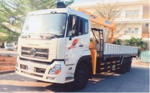 Xe tải cẩu Dongfeng 3 chân gắn cẩu 7 tấn
